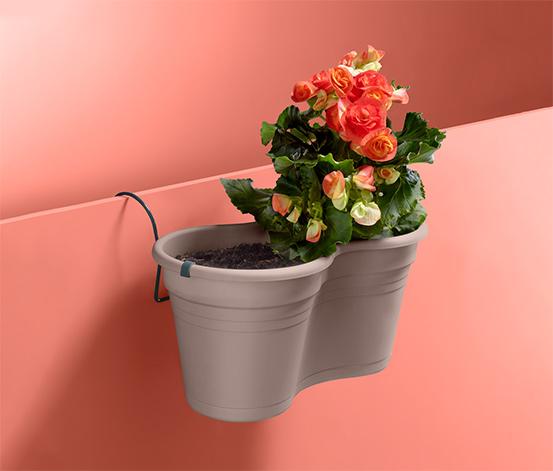 Dvojitý květináč k zavěšení na balkón