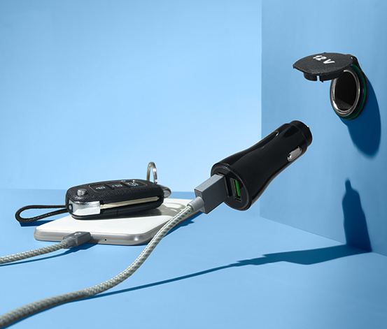 Rozbočka do auta s USB konektorem
