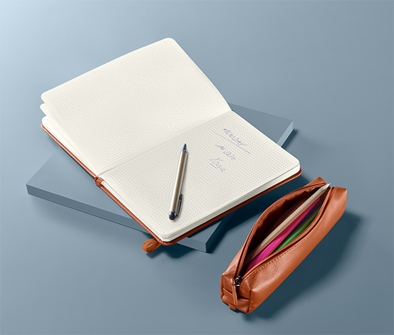 Poznámkový blok a pouzdro na psací potřeby