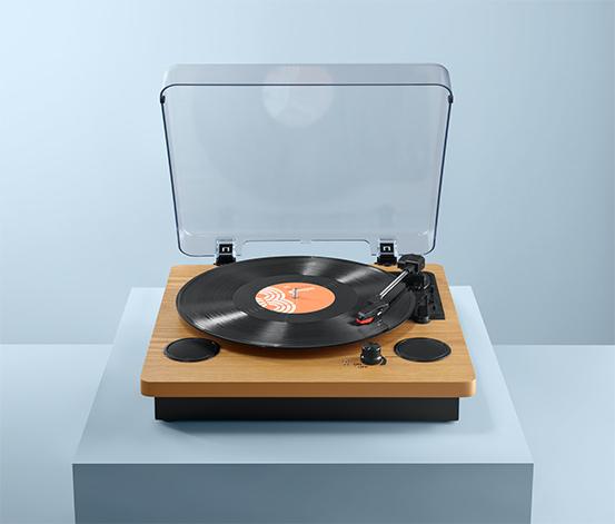 Gramofon Dual DTR 61 se zabudovanými reproduktory