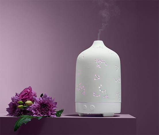 Vonný difuzér s wellness osvětlením