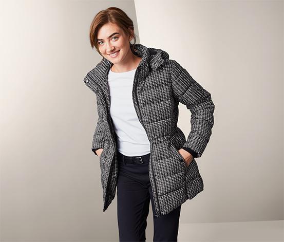 Outdoorová bunda s kapucí