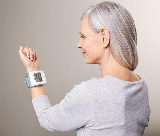 Tonometr na zápěstí