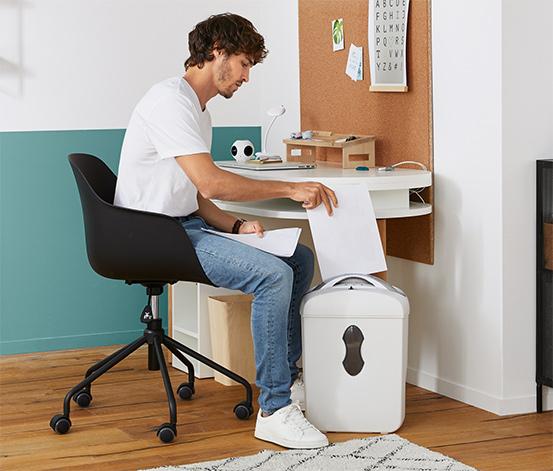 Židle k psacímu stolu s plastovou skořepinou