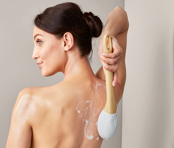 Elektrický masážní kartáč do sprchy