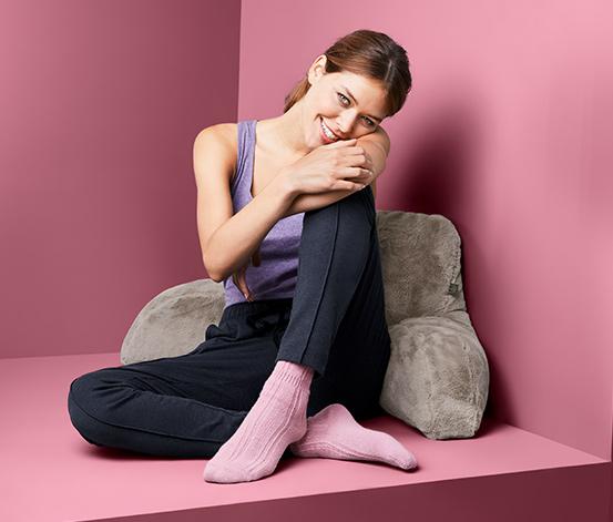 Pohodlný polštář na sezení v posteli