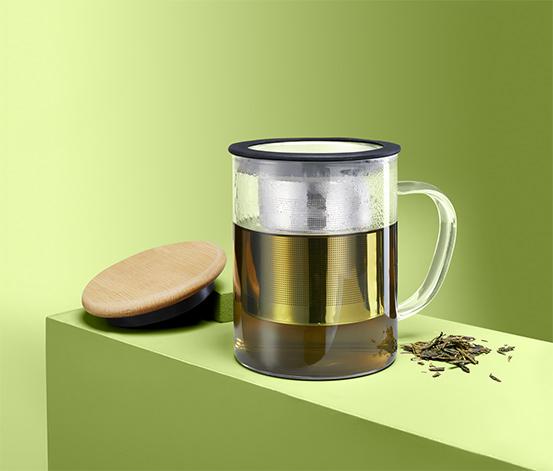 Skleněný hrnek na čaj