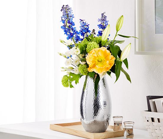 Váza v tepaném vzhledu