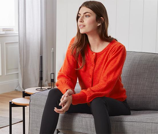 Kabátek z jemného úpletu s nabíranými rukávy, oranžově červený