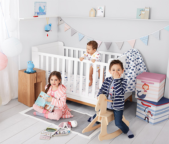 Postel pro miminka a malé děti